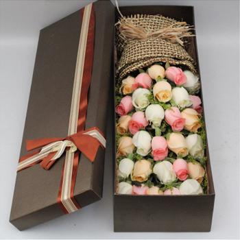 33枝多彩玫瑰礼盒