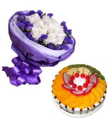 �r花蛋糕�M合/11朵白玫瑰+水果�r奶蛋糕8寸